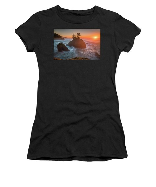Women's T-Shirt (Athletic Fit) featuring the photograph The Golden Sunset Of Oregon Coast by William Lee