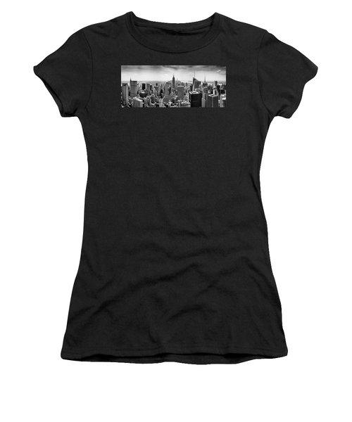 New York City Skyline Bw Women's T-Shirt (Athletic Fit)