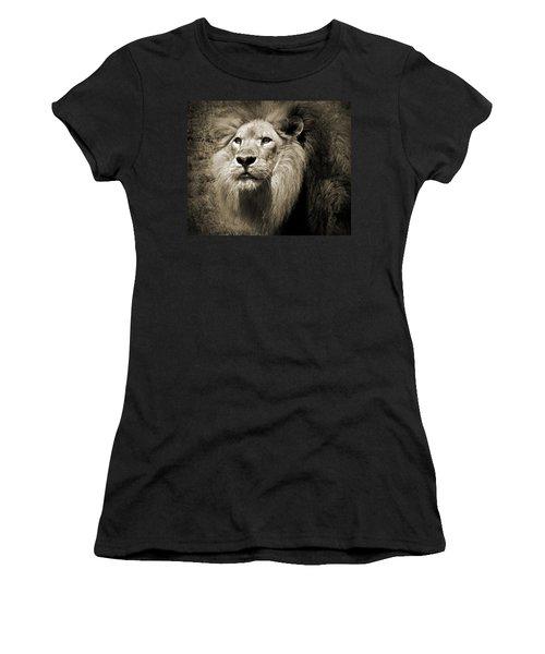 The King II Women's T-Shirt