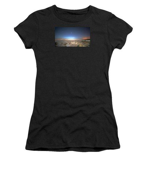 The Ocean Desert Women's T-Shirt (Athletic Fit)