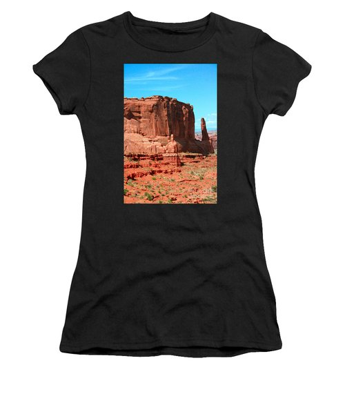 The Park Avenue Courthouse Spectacle Women's T-Shirt