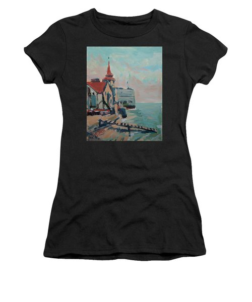 The Round Tower Of Portsmouth Women's T-Shirt