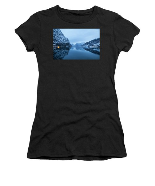 The Stillness Of The Sea Women's T-Shirt (Athletic Fit)