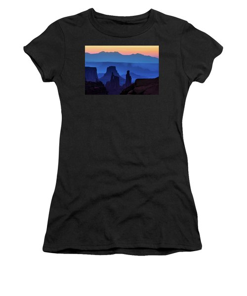 The Washer Woman Women's T-Shirt (Athletic Fit)