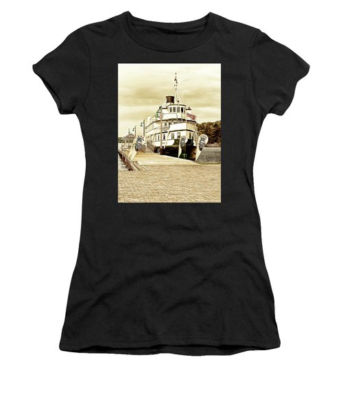 The Wenonah II Women's T-Shirt (Athletic Fit)