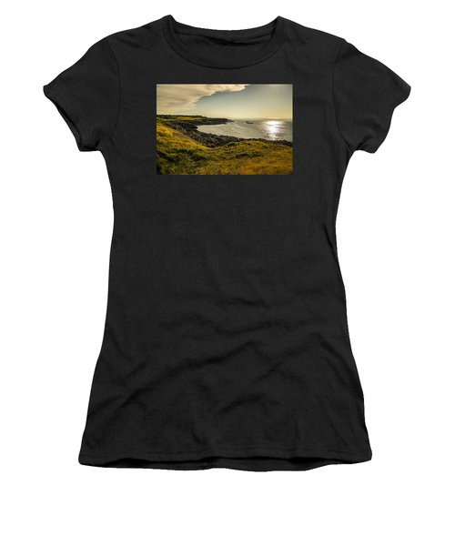 Thinking Sunset Women's T-Shirt (Athletic Fit)