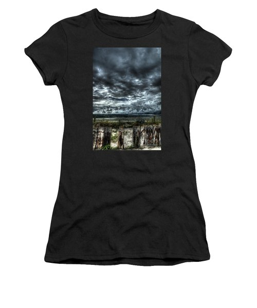 Threatening Sky Women's T-Shirt (Athletic Fit)
