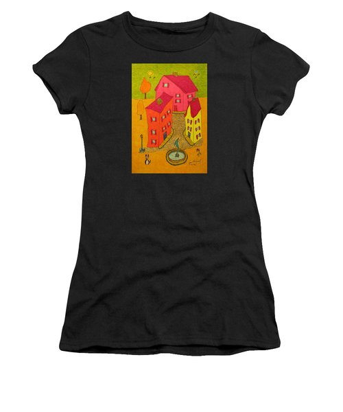 Three Homes With Sculpture Fountain Women's T-Shirt