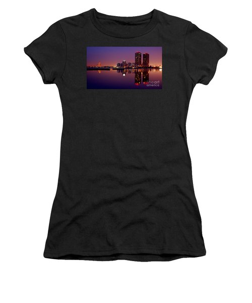 Toronto Cracking Dawn Women's T-Shirt (Athletic Fit)