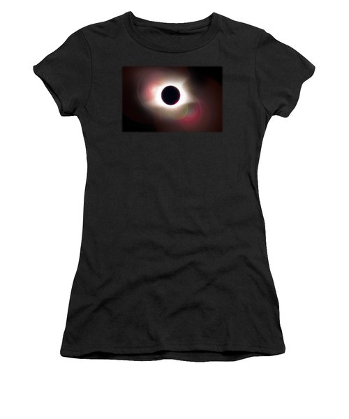 Total Eclipse Of The Sun T Shirt Art With Solar Flares Women's T-Shirt