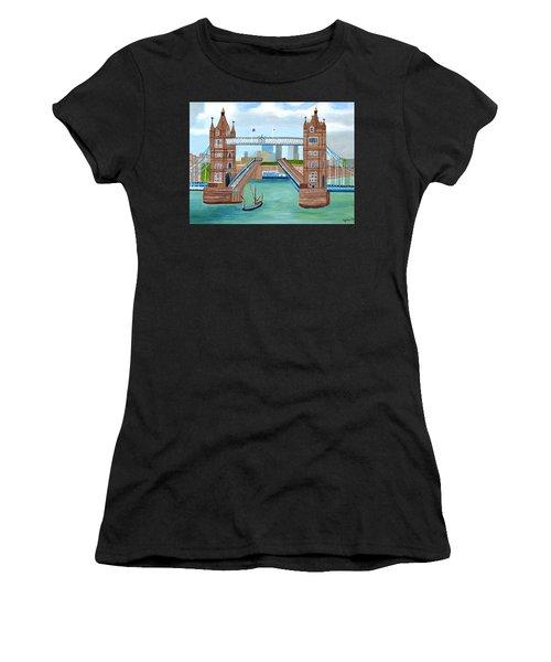 Tower Bridge London Women's T-Shirt (Athletic Fit)