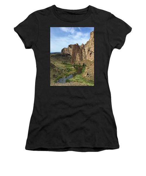 Towering Smith Rocks Women's T-Shirt (Athletic Fit)