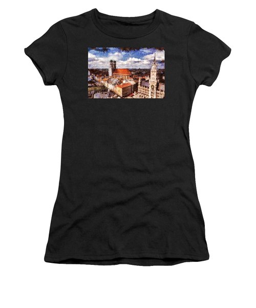 Town Hall. Munich Women's T-Shirt (Athletic Fit)