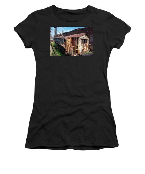 Train 6 In Color Women's T-Shirt