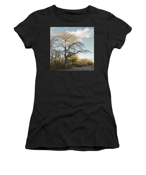 Tupelo Tree Women's T-Shirt