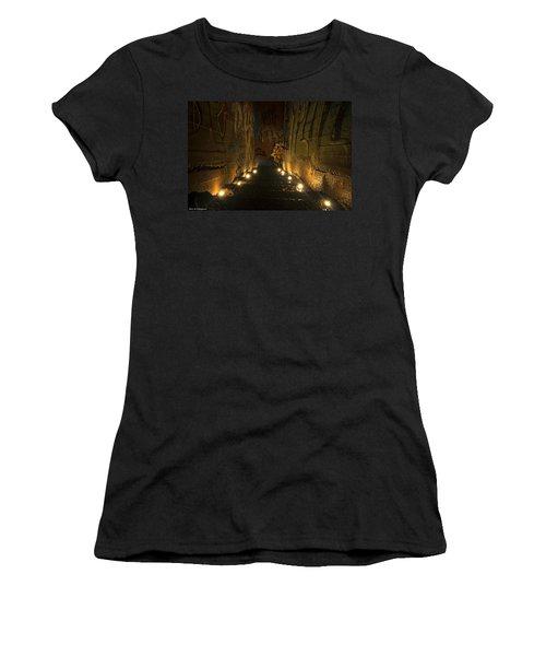Tunnel Art Women's T-Shirt
