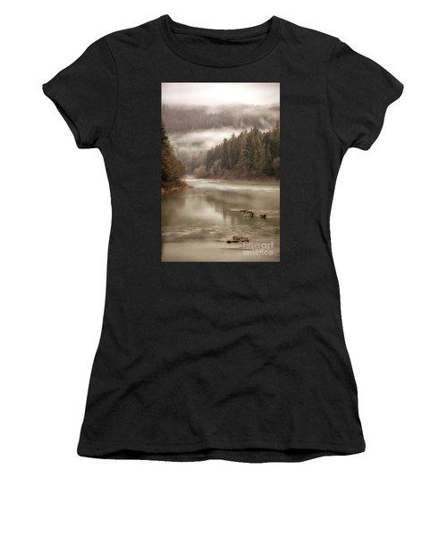 Umpqua River Fog Women's T-Shirt (Athletic Fit)