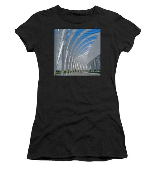 University Arching Lines Women's T-Shirt (Athletic Fit)