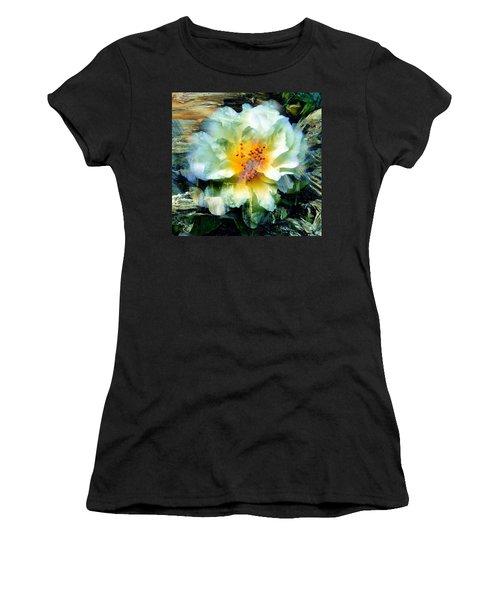 Urban Beauty Women's T-Shirt