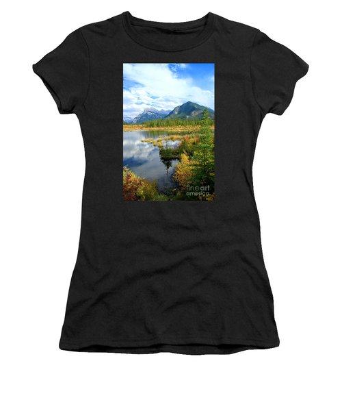 Vermillion Kaleidoscope  Women's T-Shirt (Athletic Fit)