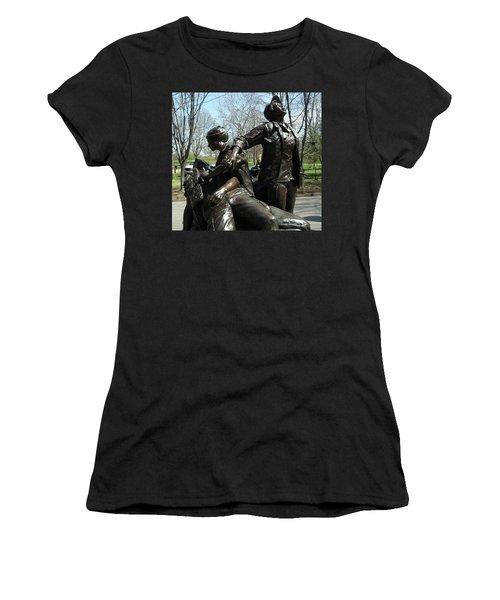 Vietnam Women's Memorial Women's T-Shirt