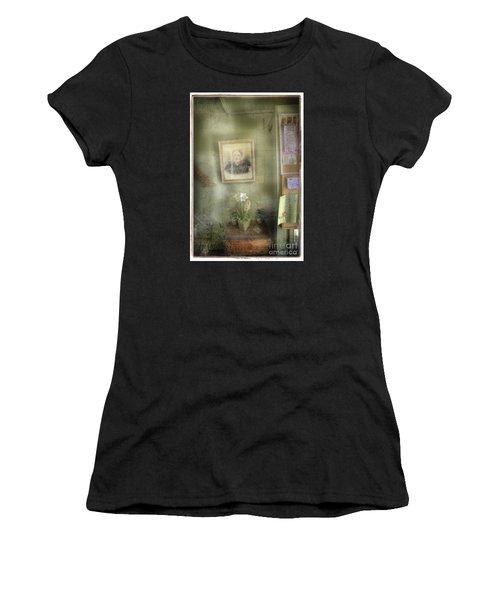 Vinalhaven Mother Women's T-Shirt (Athletic Fit)