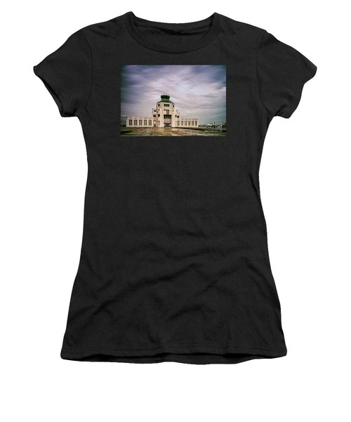 Vintage Architectural Photograph Of The 1940 Air Terminual Museum - Hobby Airport Houston Texas Women's T-Shirt