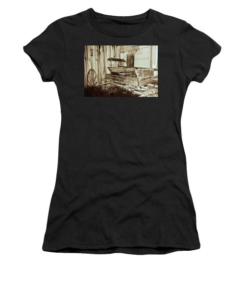 Vintage Carriage Women's T-Shirt (Junior Cut) by Ray Shrewsberry