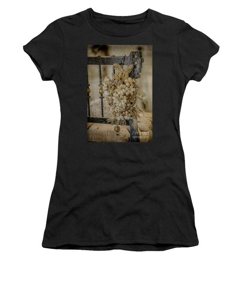 Vintage Floral Swag On A Bedpost Women's T-Shirt (Athletic Fit)