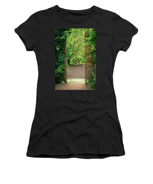 Vintage Garden Women's T-Shirt (Athletic Fit)