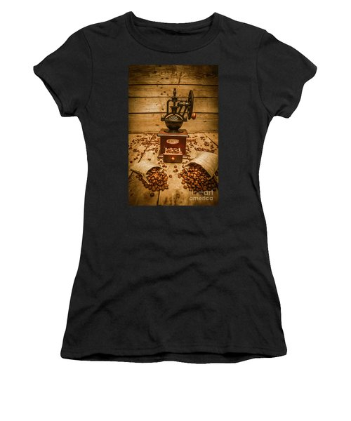 Vintage Manual Grinder And Coffee Beans Women's T-Shirt