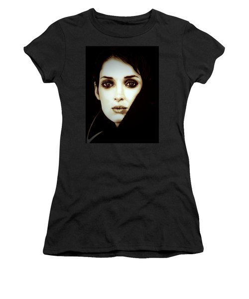 Vintage Winona Ryder Women's T-Shirt (Junior Cut) by Fred Larucci