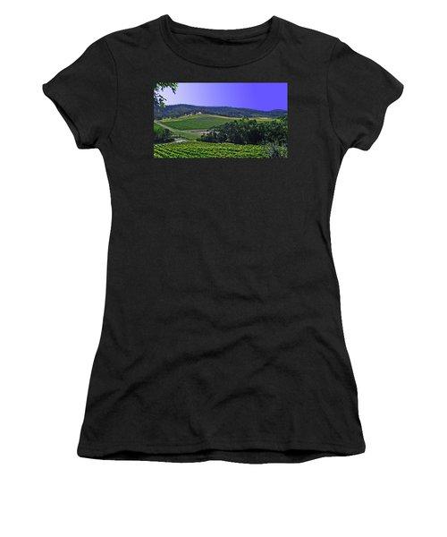 Vinyard Women's T-Shirt (Athletic Fit)