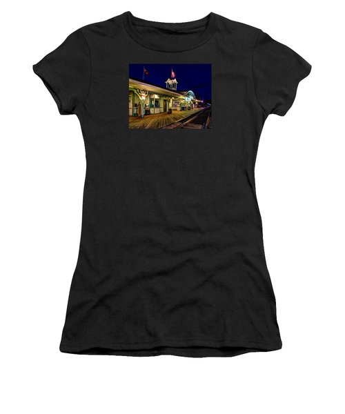 Waiting For A Train 023 Women's T-Shirt (Athletic Fit)