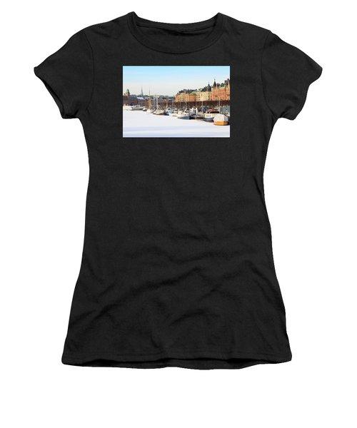 Waiting Out Winter Women's T-Shirt
