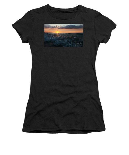 Ward's Beach Surf Sunset Women's T-Shirt