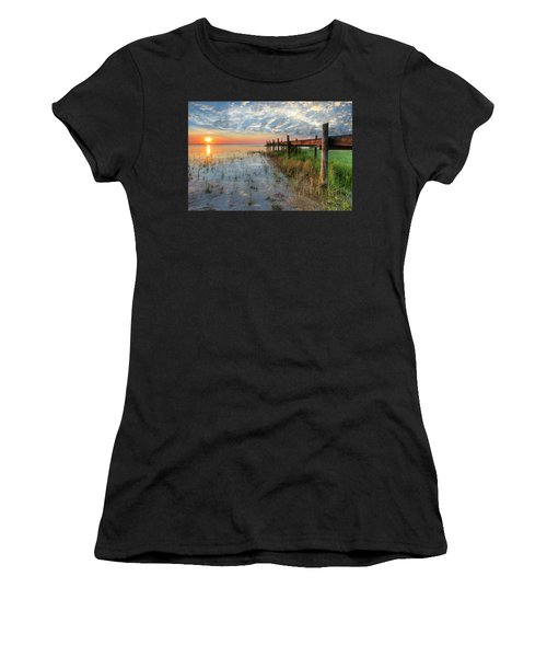 Watching The Sun Rise Women's T-Shirt