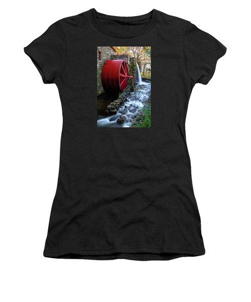 Wayside Inn Grist Mill Water Wheel Women's T-Shirt