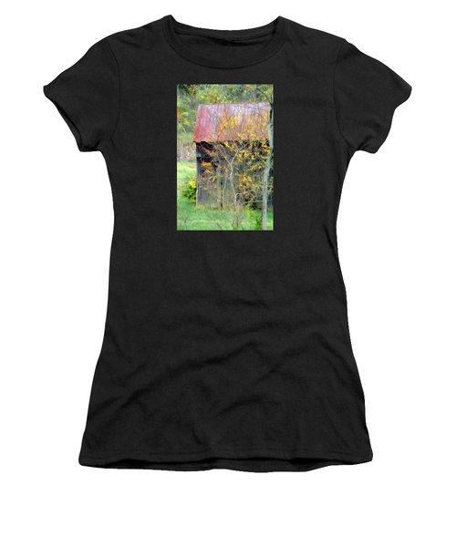 Weathered Barn 2 Women's T-Shirt