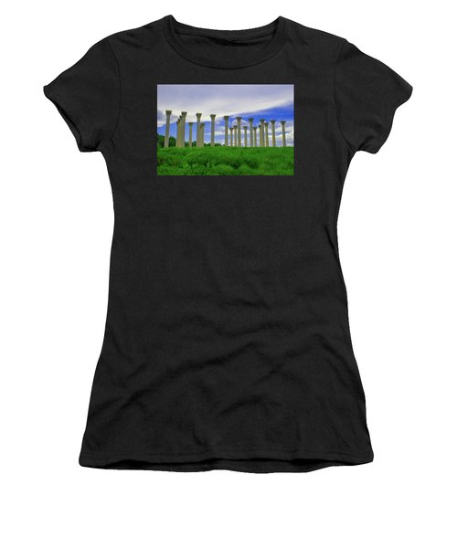 What Temple Is This? Women's T-Shirt