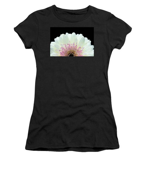 White And Pink Daisy Women's T-Shirt (Athletic Fit)