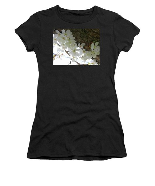 Dogwood Branch Women's T-Shirt
