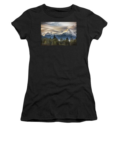 Whitehorse Sunrise, Flowing Clouds Women's T-Shirt