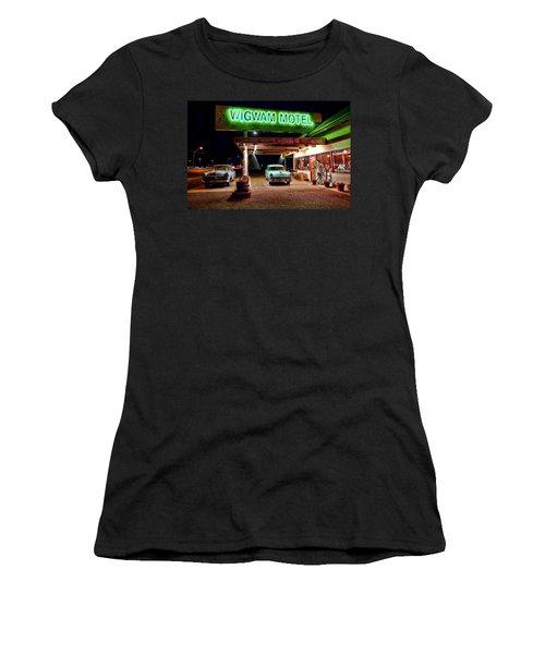 Wigwam Motel Women's T-Shirt (Athletic Fit)