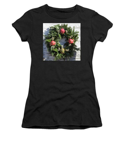 Williamsburg Wreath 70 Women's T-Shirt