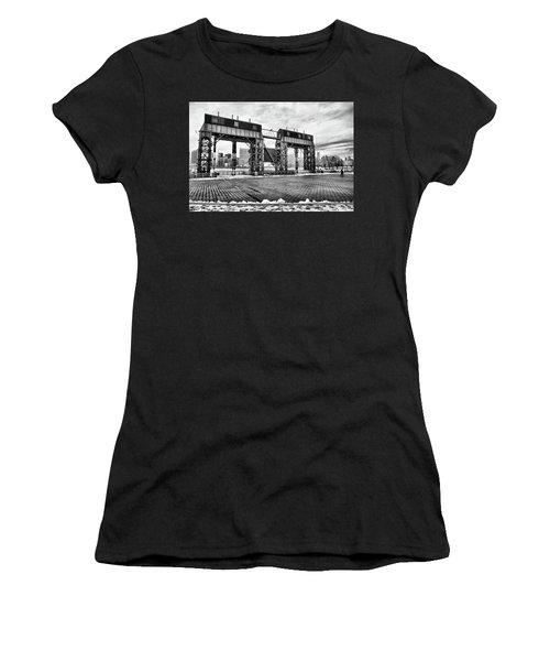 Winter Gantry Women's T-Shirt