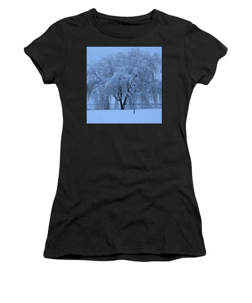 Winter Willow Tree Before Dawn_fort Worth_tx Women's T-Shirt (Athletic Fit)