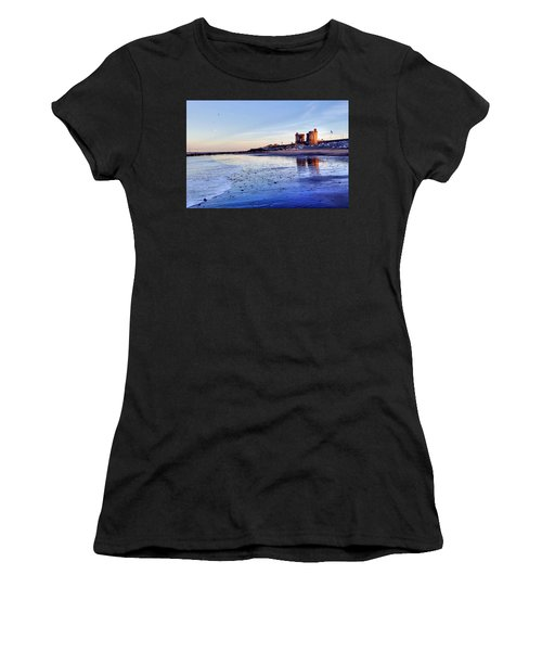 Withernsea Sunset And Moon Women's T-Shirt (Athletic Fit)