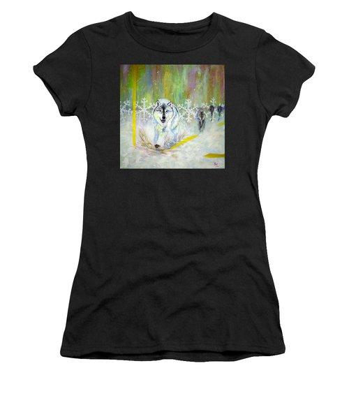 Wolves Approach Women's T-Shirt