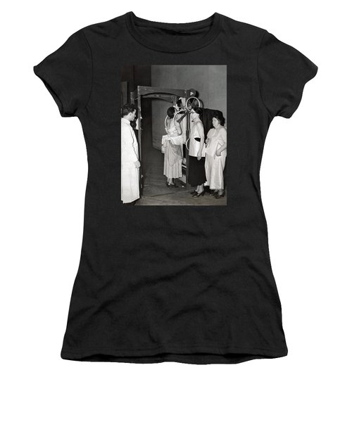 X-rays Look For Tuberculosis Women's T-Shirt